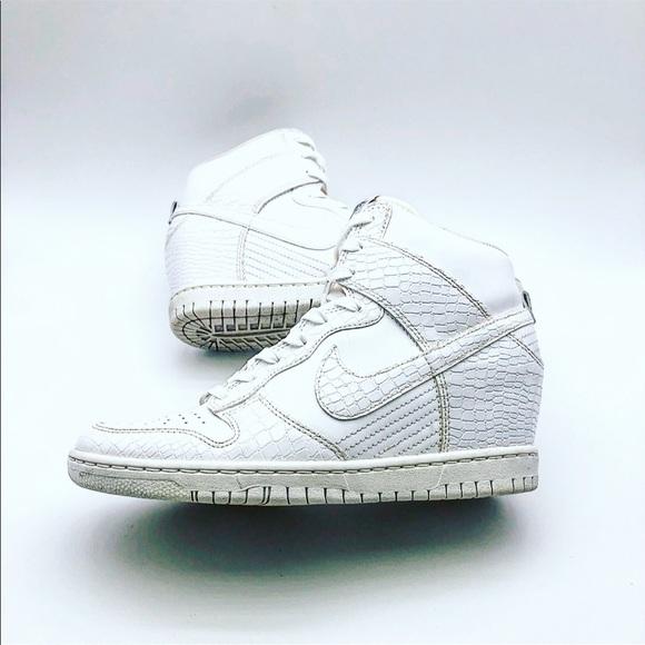Al borde Decaer mitología  white nike sneaker wedges Shop Clothing & Shoes Online